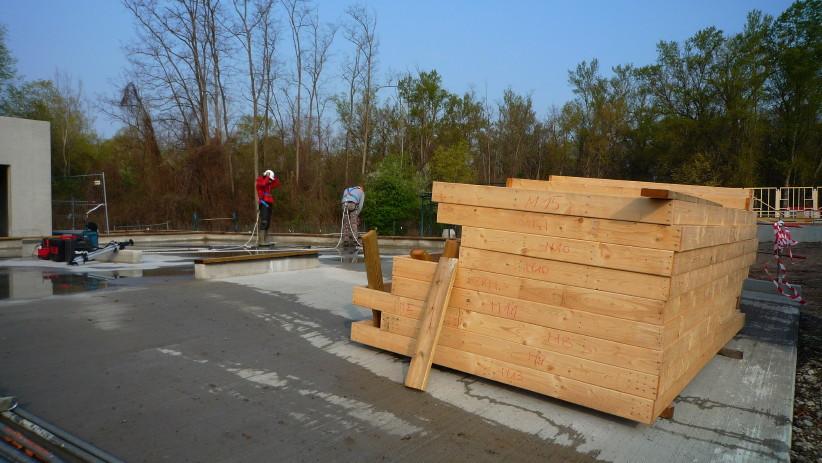 11/04 Travaux sur le local technique en attendant une livraison de matériel pour le clubhouse.